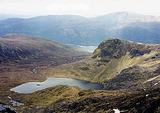 Sgùrr na Lapaich - Looking south-east from the summit over Loch Tuill Bhearnach with Loch Mullardoch in the far valley.
