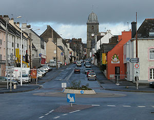 Loudéac - Rue de Pontivy leading to St Nicholas church