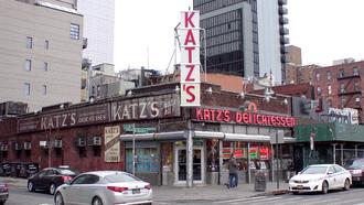 Katz's Delicatessen - Looking southwest toward Katz's from the north side of Houston Street