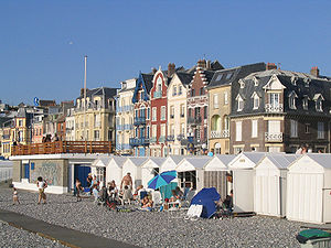 Mers-les-Bains - The beach huts and the villas
