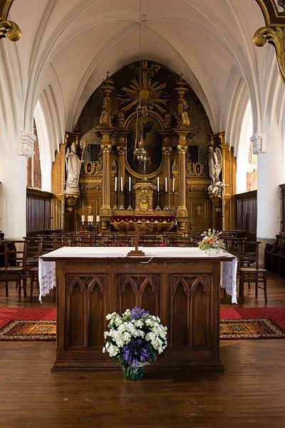 Français:  Maître-autel et retable de l'église Saint-Martin de Réville (France).