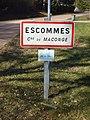 Maconge-FR-21-Escommes-panneau d'agglo-01.jpg