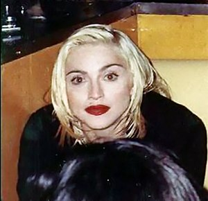 Madonna no AIDS Project Los Angeles (APLA).