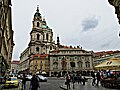 Malostranské náměstí - Kostel sv. Mikuláše - panoramio.jpg