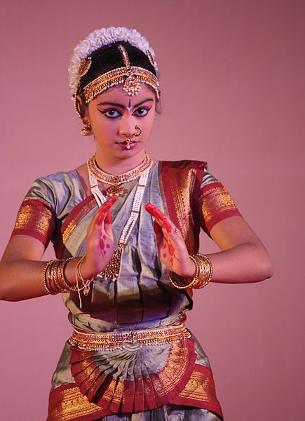 File:Mamallapuram, Indian Dance Festival (6767170591).jpg