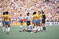 Maradona expulsado vs brasil.jpg