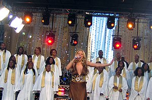 "The Emancipation of Mimi - Carey performing ""Fly Like a Bird"" on Good Morning America"