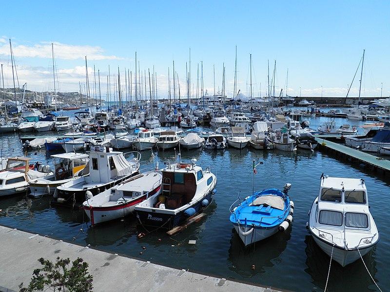 File:Marina Sanremo - panoramio (5).jpg