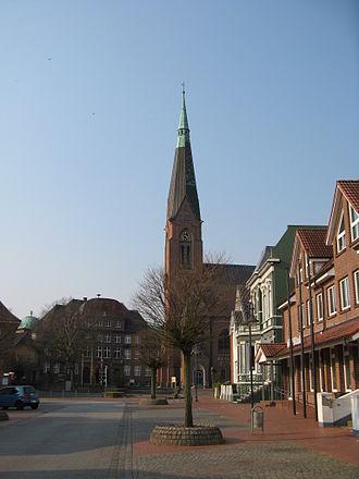 Marne, Germany - Image: Marne rathaus, kirche, apotheke