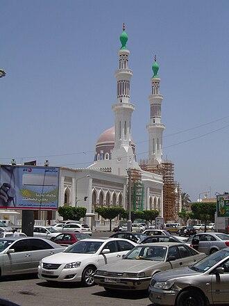 Religion in Libya - Worshipers gather at Mawlai Muhammad Mosque, Tripoli.