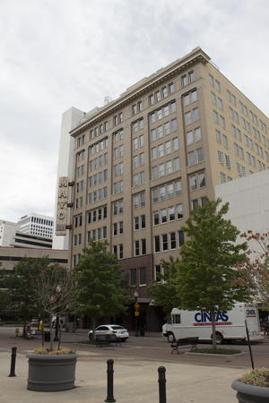 Mayo Building (Tulsa, Oklahoma) - Image: Mayo Building Tulsa 00 Sidelong