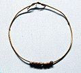 Mellon Beads on Gold Wire MET 26.8.115 gal.jpg