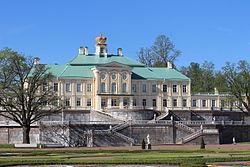 Menshikov palace Oranienbaum.JPG