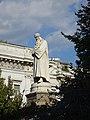 Milan monument à Léonard de Vinci.jpg