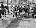 Miss Holland 1956 Rita Schmidt bezoekt textieljaarbeurs Utrecht, Bestanddeelnr 907-6509.jpg