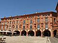 Montauban - Place Nationale - Numéros 7 à 11.JPG