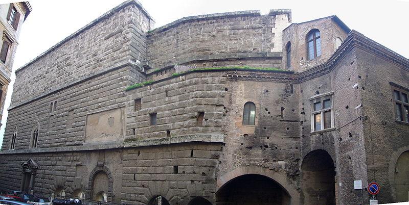 Ficheiro:Monti - muro della Suburra e casa dei cavalieri di Rodi - retro 1050880-1.JPG