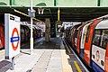 Morden Station - geograph.org.uk - 1989351.jpg