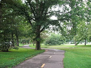 Mount Vernon Trail - The Mount Vernon Trail at Belle Haven