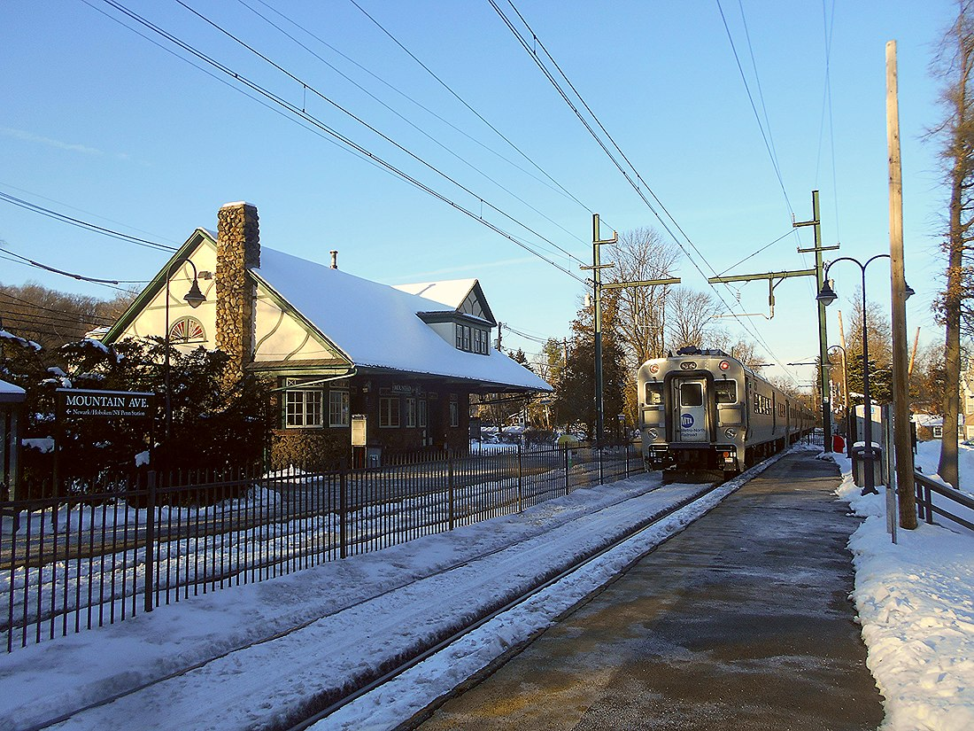 Mountain Avenue Station - February 2015.jpg