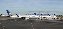 N652UA at Newark NJ1.jpg