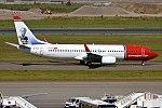 Norwegian (Bobby Moore Livery), EI-FVT, Boeing 737-8JP (37087531961).jpg
