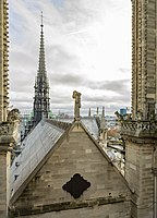 Notre-Dame de Paris roof and spire.jpg