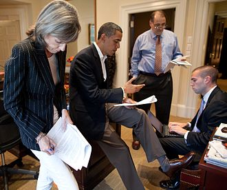 Speechwriter - U.S. President Barack Obama and aides Carol Browner, David Axelrod and Jon Favreau working on a speech in June 2010.