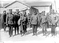 Officiers grecs à Salonique, 1915.jpg