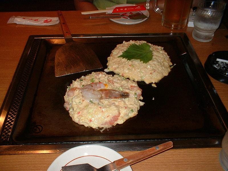 800px-Okonomiyaki_-_halfmade_shrimp_and_cheese_okonomiyaki.jpg