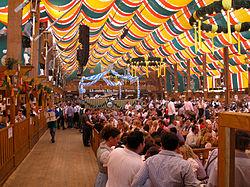 Oktoberfest 2009 Löwenbräu Bierzelt.JPG