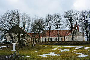 Senieji Trakai Castle - The church and cloister containing the remains of the castle