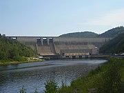 Pohled na přehradní hráz