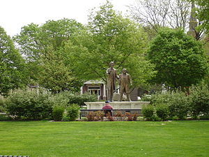 Ottawa, Illinois - Statues of Lincoln and Douglas