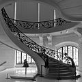 P1130883 Paris VIII Petit-Palais escalier rwk.jpg