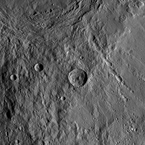 File:PIA22516-DwarfPlanetCeres-Dawn-20180520.jpg