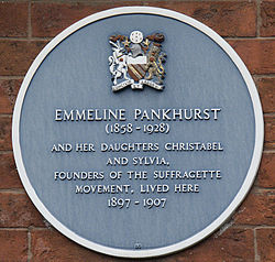 Photo of Emmeline Pankhurst, Christabel Pankhurst, and Sylvia Pankhurst blue plaque