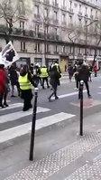File:Paris en direct de la manifestation Femmes Gilets Jaunes 06-01-2019.webm