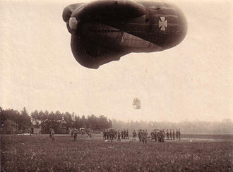 Luftstreitkräfte - The Fliegerabteilung (A) 272 in 1917. Balloon ascent