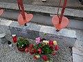 Partizanski grobovi na Dobravi 04.jpg