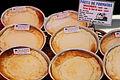 Pastissos de formatge a la Festa Major del Clot – Camp de l'Arpa 2009.jpg