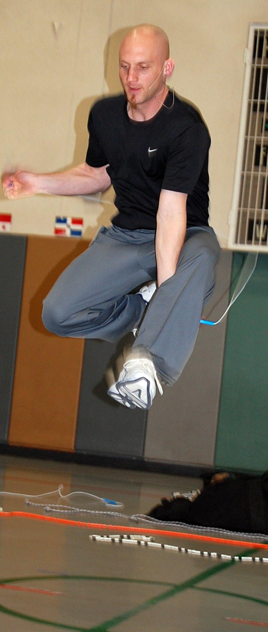 Peter Nestler - Jump-roping around the world