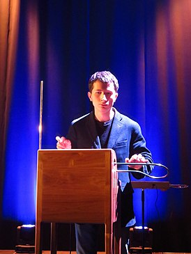 Peter Theremin plays theremin.jpg
