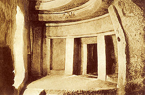 Ħal-Saflieni Hypogeum - The Hypogeum, photograph by Richard Ellis, before 1910