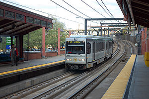 Station Square (PAT station) - Image: Pittsburgh LRT 4305 47L Gateway to Library April 2008