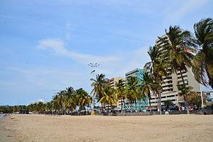 Puerto la Cruz - Image: Playa Paseo Colón Puerto La Cruz Venezuela