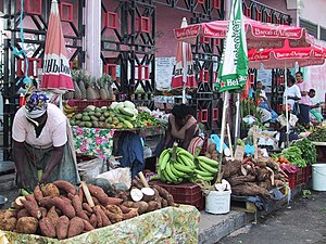 2009 French Caribbean general strikes - The market in Pointe-à-Pitre.