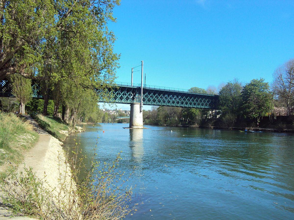 Pont ferroviaire de champigny wikip dia for Garage a champigny sur marne