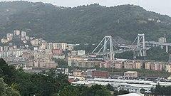 Ponte Morandi crollato.jpg