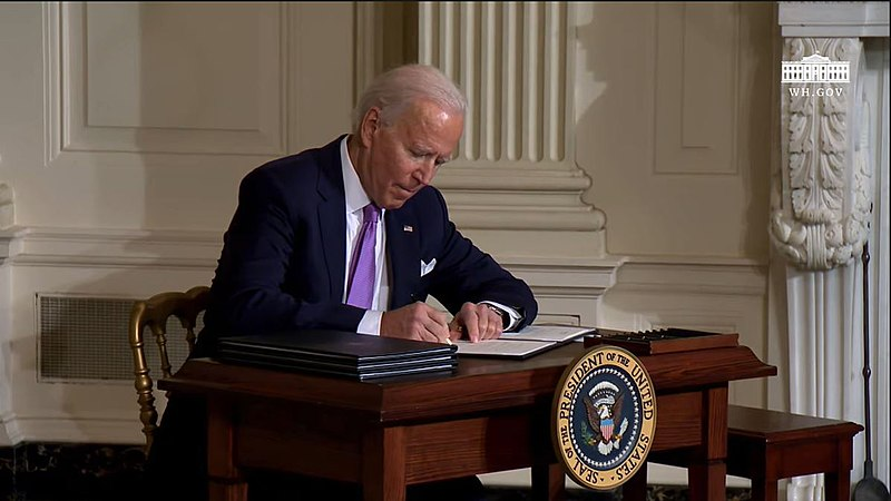 File:President Biden signing the executive order named Redressing Our Nation's and the Federal Government's History of Discriminatory Housing Practices and Policies.jpg escription English: President Biden signing the executive order named Reforming Our Incarceration System to Eliminate the Use of Privately Operated Criminal Detention Facilities (an executive order to eliminate the private crime facilities) Date26 January 2021 Sourcehttps://www.youtube.com/watch?v=FN_4W-EDcPw AuthorThe White House
